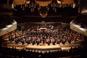 大編成オーケストラは色んな楽器が所狭しと並び壮観です