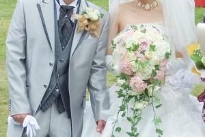 大型連休や異動の時期は結婚式の日取りには向きません