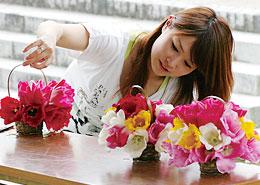 花かご作りやプリザーブドフラワー作りが体験できます