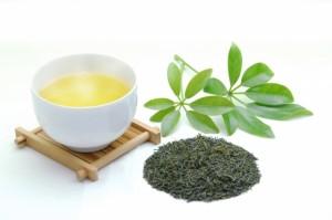 お茶のポリフェノールは、にんにく臭を消す働きがある