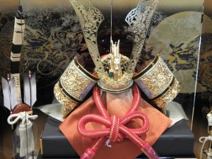 鎧兜は子供の安全を祈る気持ちから生まれた伝統です。