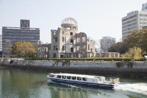 ひろしまフラワーフェスティバルは広島最大級のお祭り