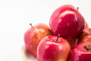 りんごが含むポリフェノールはニンニク消臭に効果あり