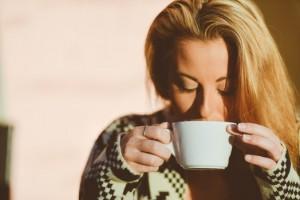 胃が痛い時はスープなどで胃を温めて血流を良くしよう