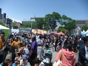 杜の市で仙台のおいしい食べ物や屋台が楽しめますよ!